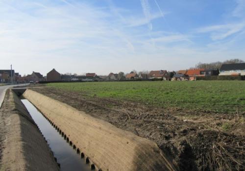 Goed gelegen 1 Ha akkergrond aan de Kapellestraat te Laarne